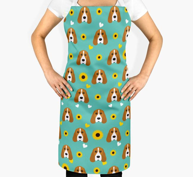 Sunflower Pattern Apron with Cocker Spaniel Icons